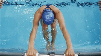 13 Shoulder Pain Stressors That Cause Pain in Swimmers